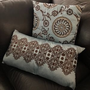 Other - Filigree Decorative Accent Pillow Set